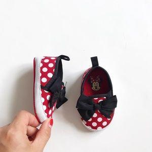 Disney NWOT Mini Mouse soft sole shoes size 2